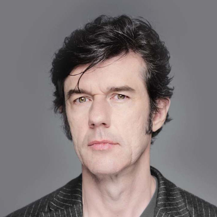 photo portrait of Stefan Sagmeister