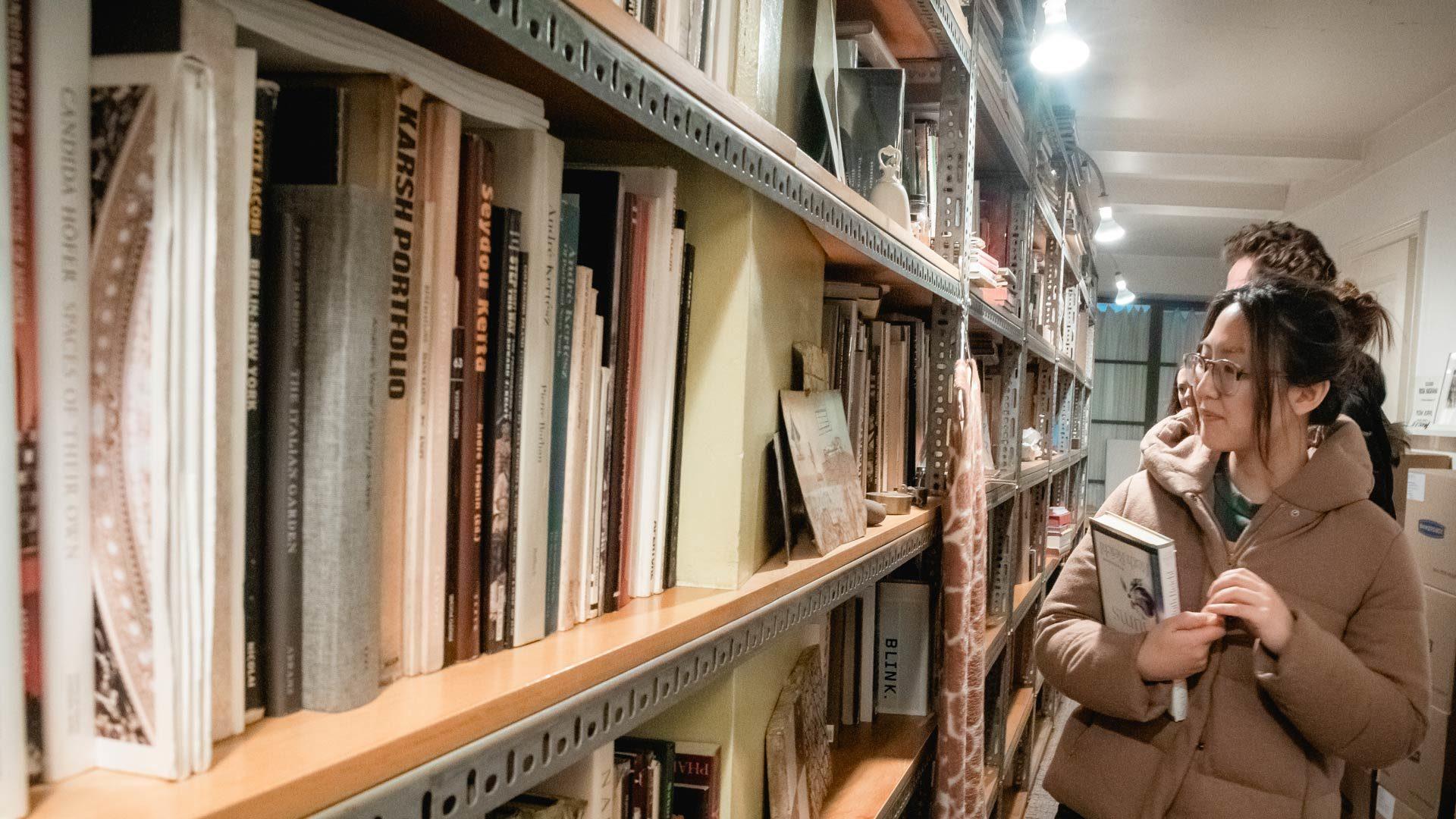 Maira Kalman's library and students